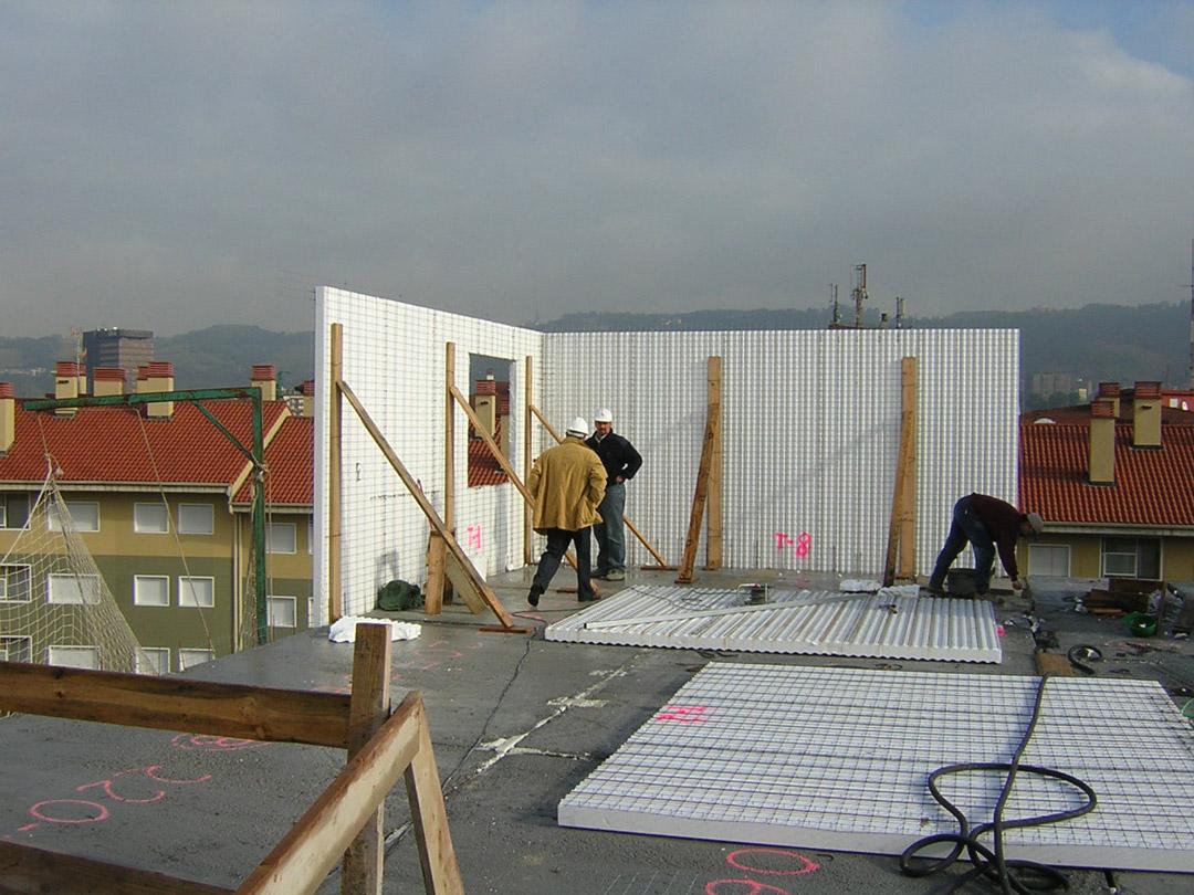 Bilbao, Mirilla. Edificio construido con el sistema de construcción Baupanel 04