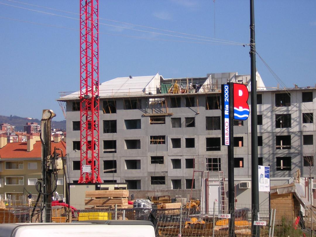 Bilbao, Mirilla. Edificio construido con el sistema de construcción Baupanel 08