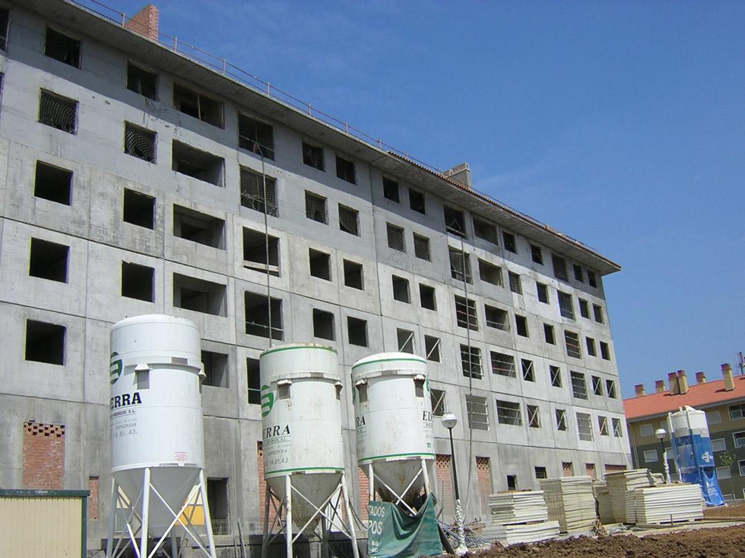 Bilbao, Mirilla. Edificio construido con el sistema de construcción Baupanel 10
