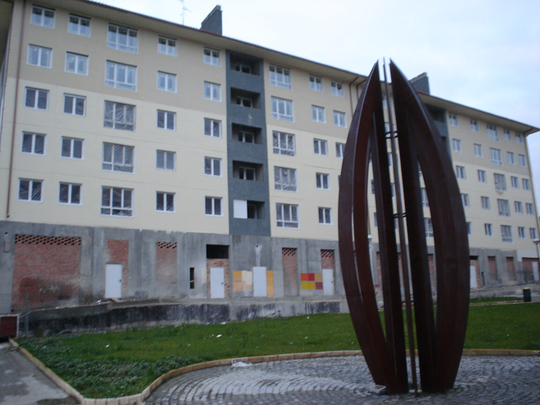 Bilbao, Mirilla. Edificio construido con el sistema de construcción Baupanel 11