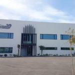Cerramiento de edificio industrial con Baupanel® System. Puerto de Santa Maria, Cádiz.