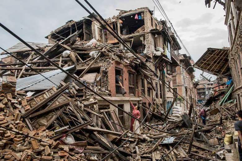 Imagen de la destrucción de edificios en india por terremotos en 2017