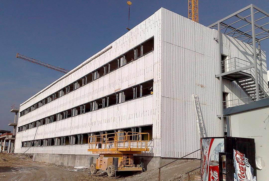 Envolvente en Edificio Erasmus Madrid